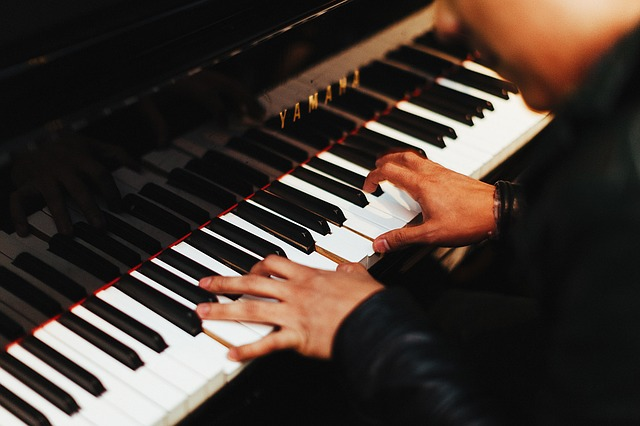 5 Reasons Why You Should Have a Private Tutor to Teach You Piano