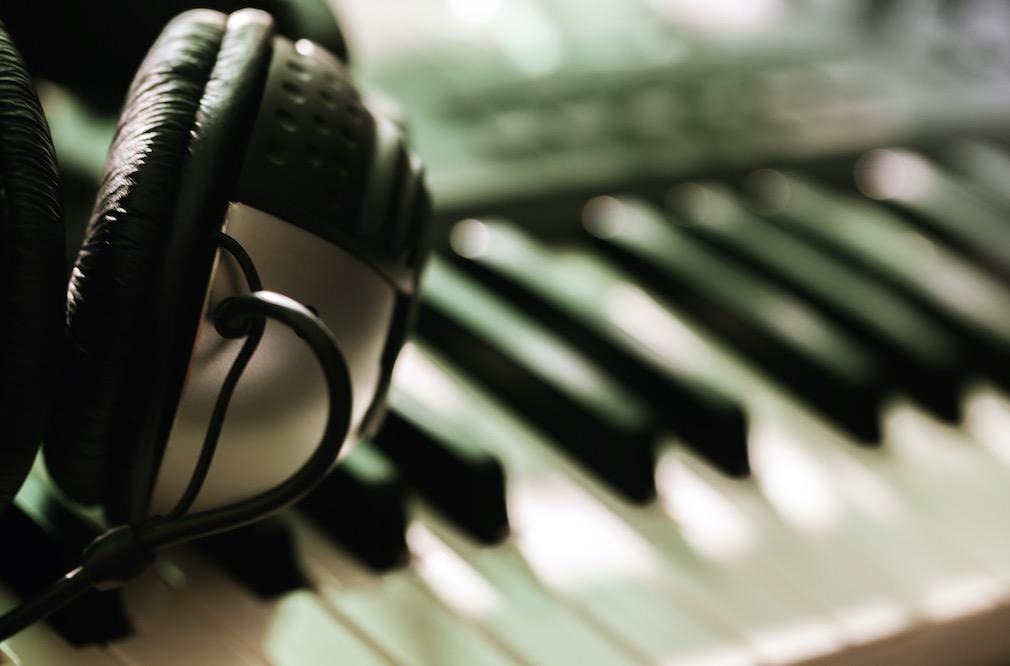 keyboard-headphone